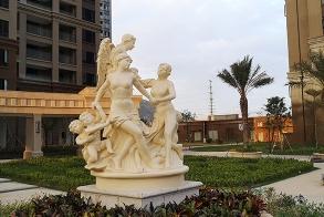 莆田仙游皇庭美域一期玻璃钢人物雕塑